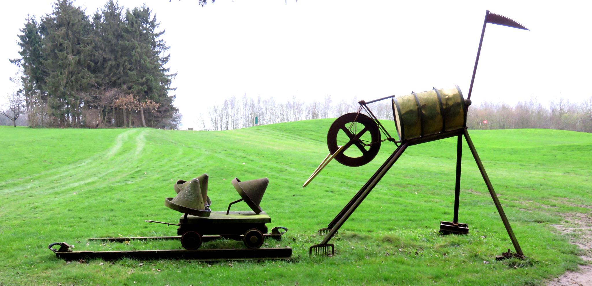 Golfplatz Obernkirchen Kunstwerk 'Schuften'