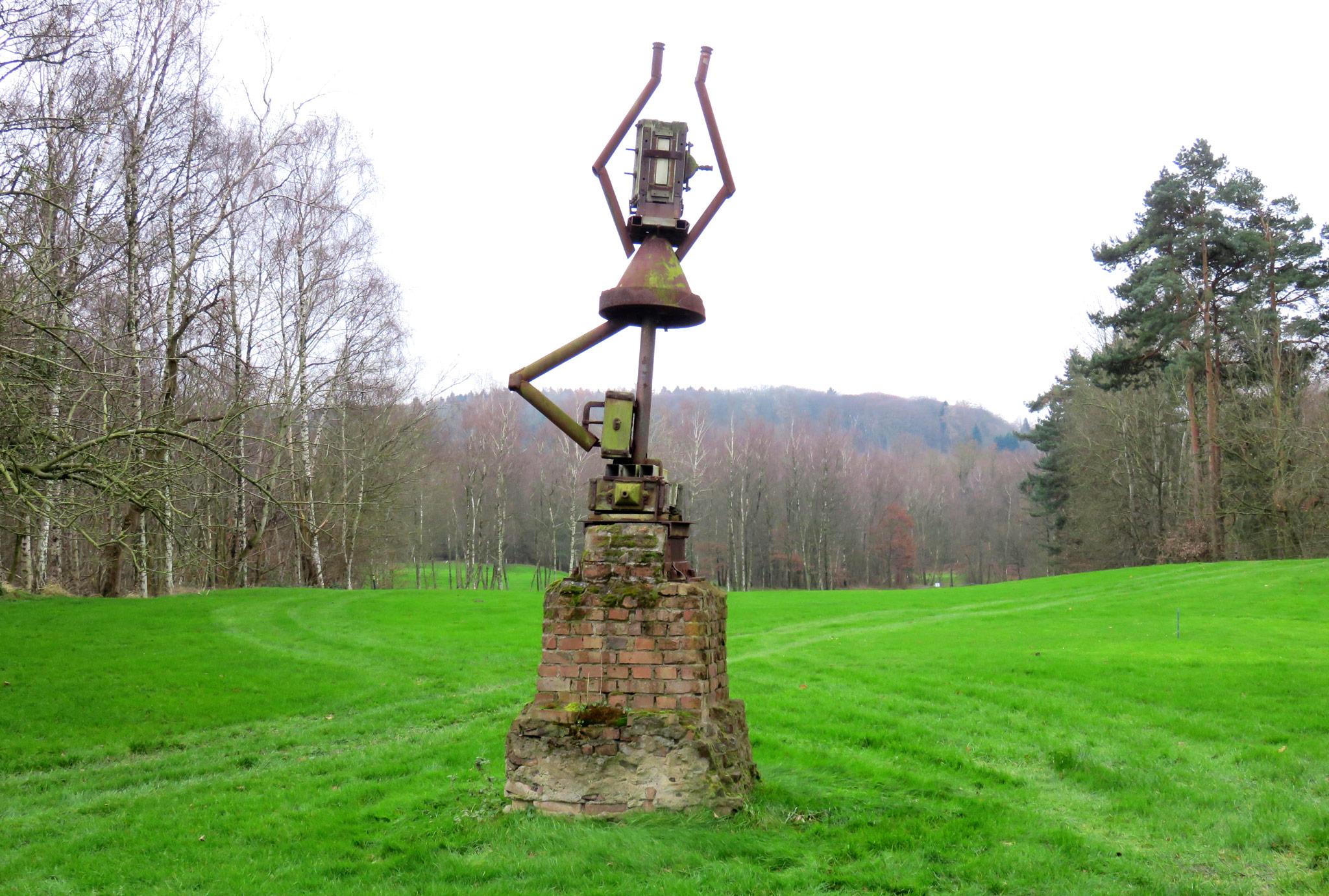 Golfplatz Obernkirchen Kunstwerk 'Haldentanz'